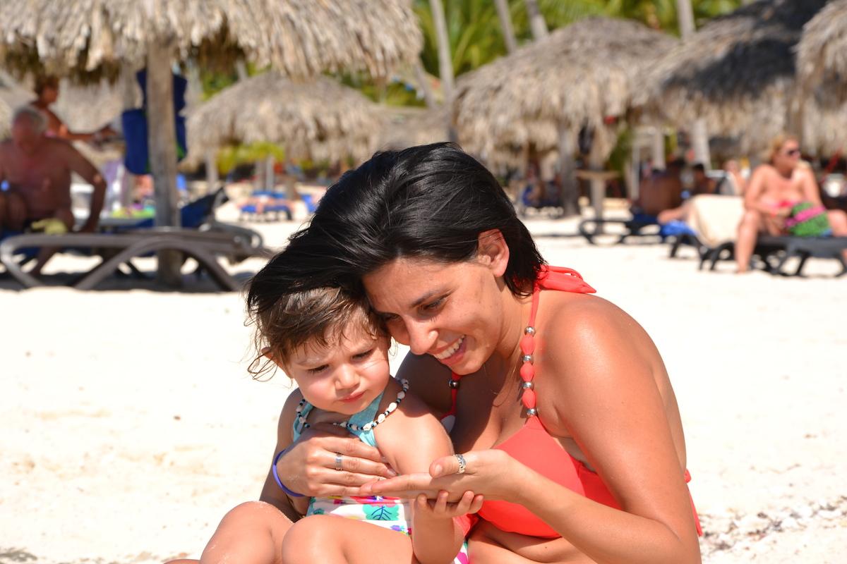 Viaggiare in Repubblica Dominicana con bambini_mamma e figlia viaggiatrice
