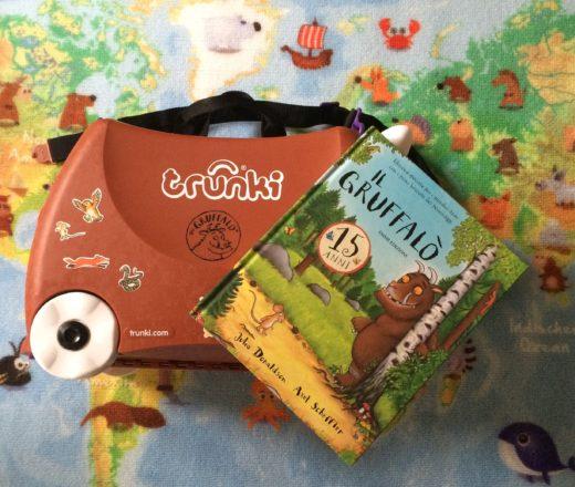 Mum Travel Blog - viaggiare con due bambini - valigia